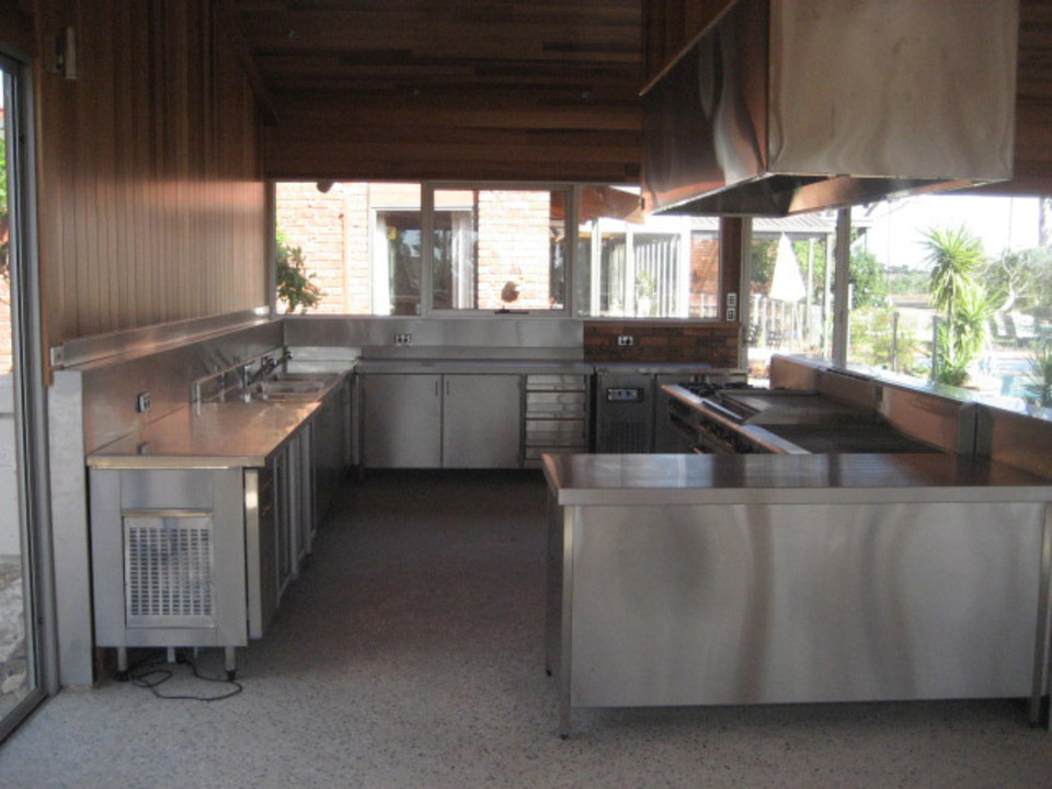 Outdoor Kitchen - Complete Commercial Catering Equipment
